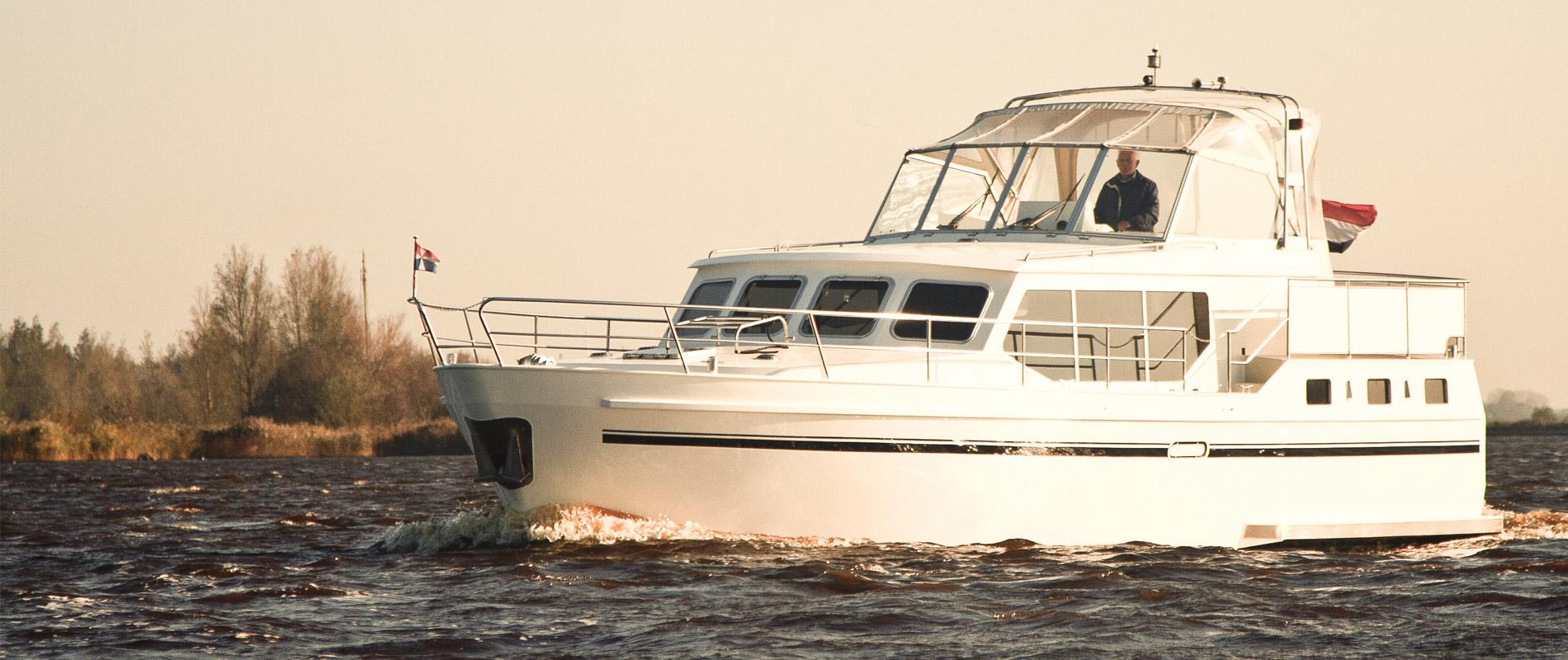 Optimaal voor 4 personen Royal Class boot huren - GJS | HW Yachtcharter